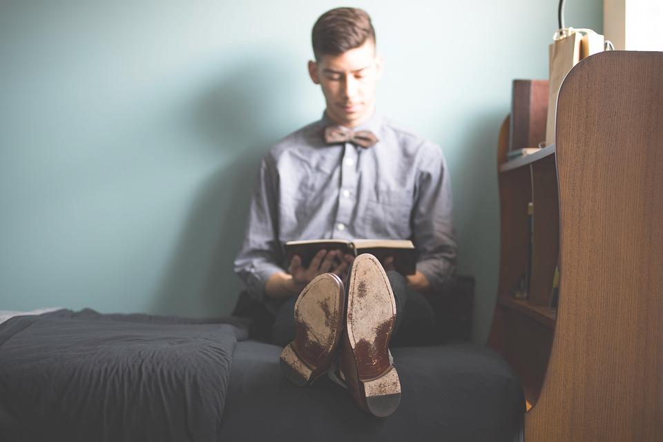 愛着障害の男子学生の強迫症状の克服