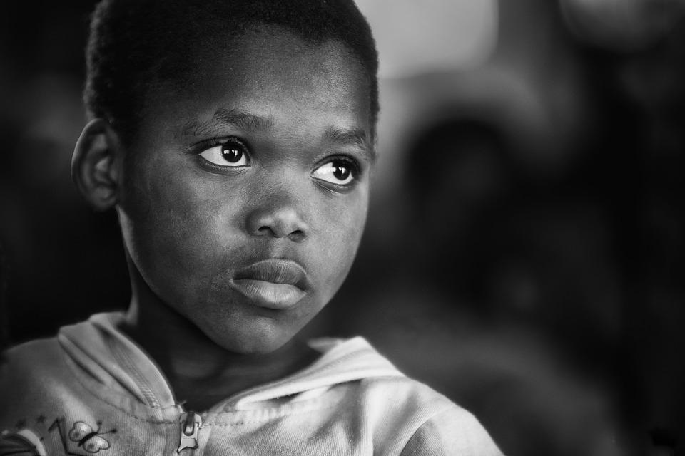 疎開児童と戦災孤児の調査から始まった愛着障害