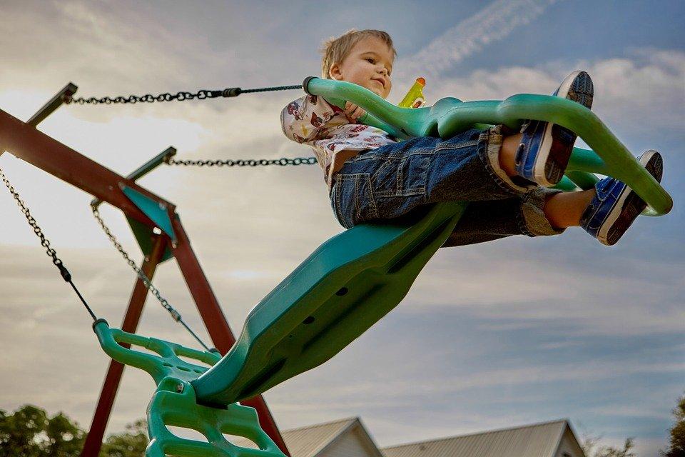 愛着障害の克服には幼い頃の不足を取り戻す