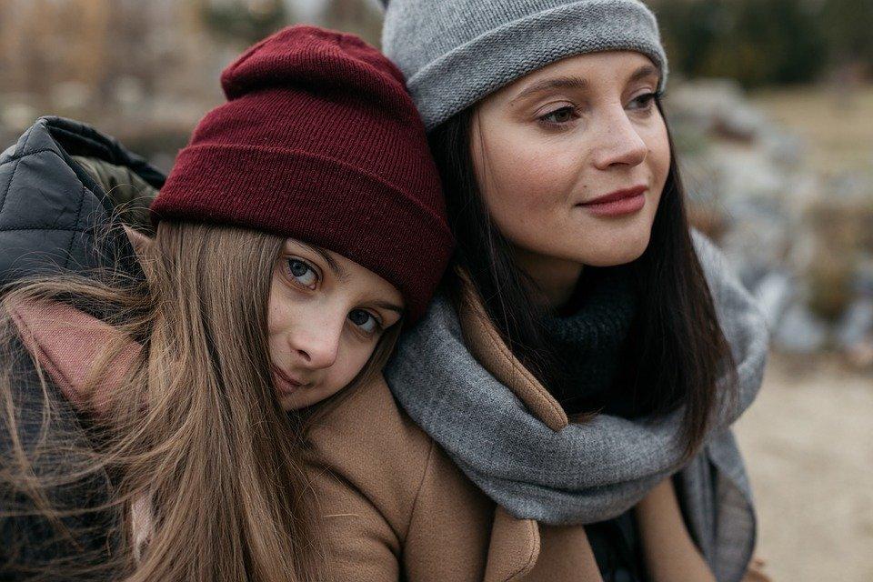 女性同士の親と子