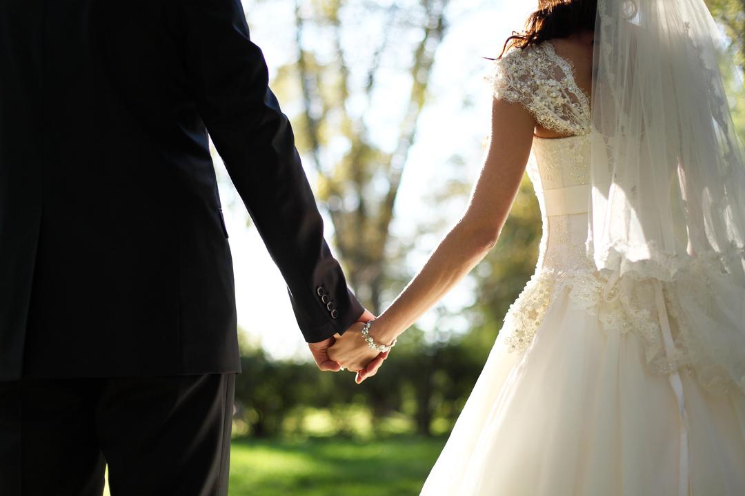 回避型愛着スタイルの結婚